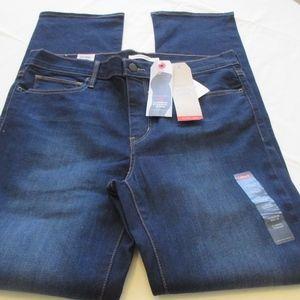 NWT- LEVI'S Slimming Straight jeans- sz 14 -$59.50